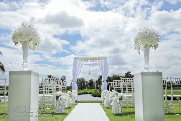 Beach wedding ceremony decorations gold coast : Gold coast
