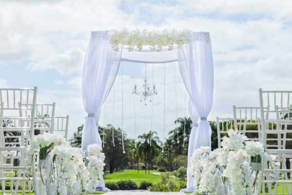 Garden weddings hire styling packages decorator for Au jardin wedding package