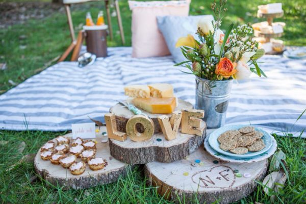 DIY picnic setting
